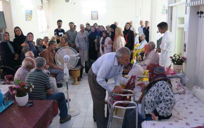 بازدید اعضاء انجمن صنفی روزنامهنگاران استان اصفهان از آسایشگاه سالمندان غدیر